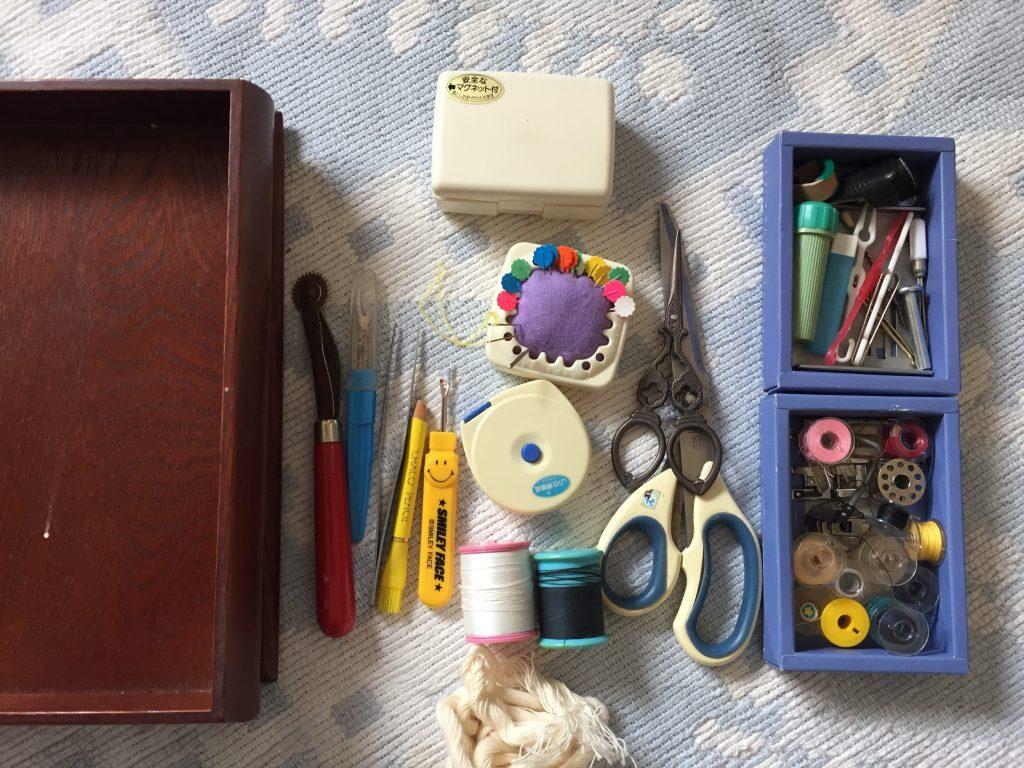 裁縫箱の中身